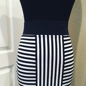 CUSTOM Dresses & Skirts - 🔥NEW🔥 Stunning Black & White Stripe Pencil Skirt