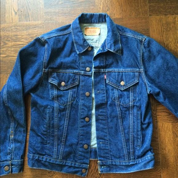 758ef5a4a7354 Levi s Jackets   Blazers - Vintage Levi s Dark Wash Denim Jacket 40R