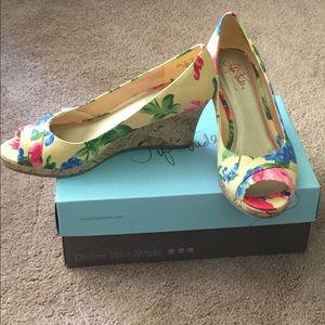 NWT Life Stride Flowered Cork Wedge Shoe 8 1/2 M