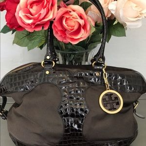 Tory Burch Handbags - 🌷Tory Burch Patent Croc and Cloth Handbag🌷