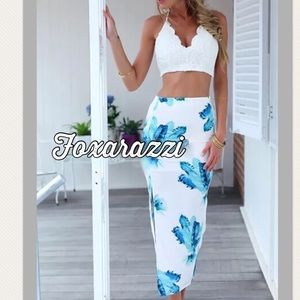 Dresses & Skirts - ✂️🦋Final Sale Island Blossom Side Slit Maxi Skirt
