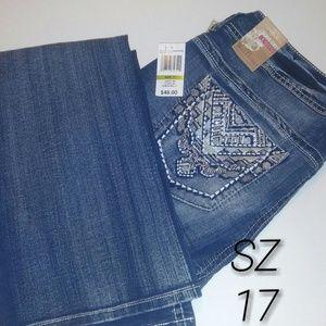 Wallflower Denim - Curvy Fit Wallflower Jeans