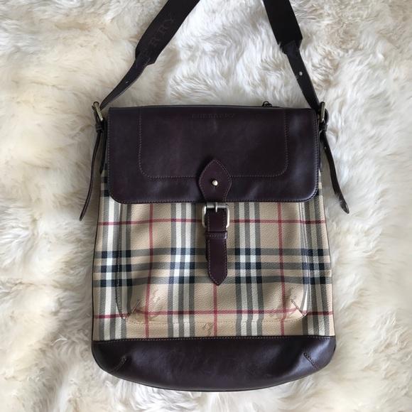 a50148f98b5b Burberry Handbags - Burberry messenger bag - wonderful and classic!