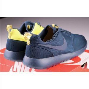 Nike Men's Rosherun Split Pack Running Shoes Blue NWT