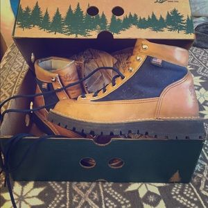 Danner Shoes - Danner Light Cascade size 6.5