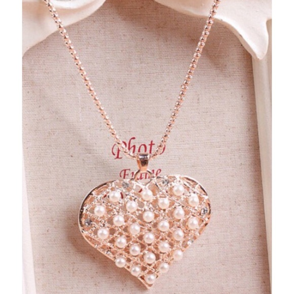 4 Bidden Boutique Jewelry - New Heart Necklace With Pearls & Rhinestones