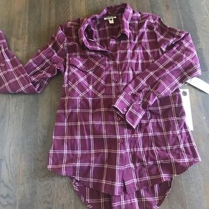 Quiksilver Tops - Ladies Quiksilver Button shirt with back cinch