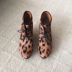 Madewell The Leopard Print Lace Up Clog Booties
