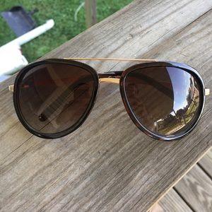 Kardashian Kollection Accessories - Kardashian Collection Sunglasses