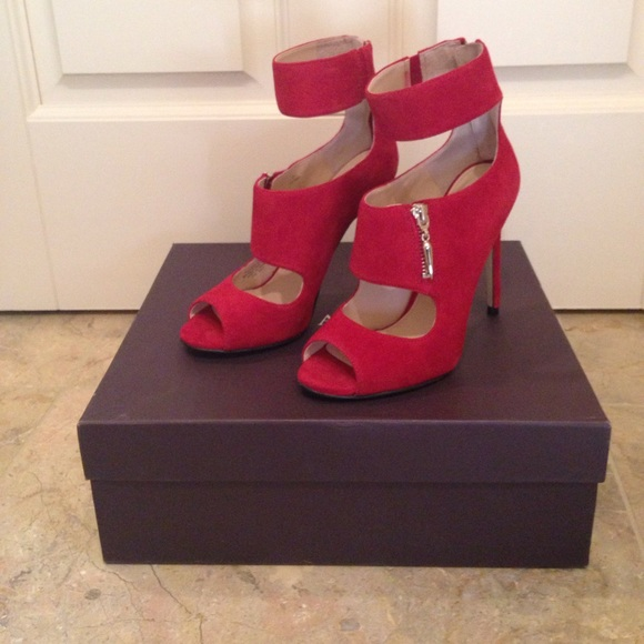 ec127750969 Unworn Enzo Angiolini Red Suede Sandals