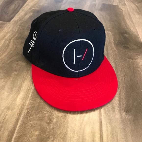 7721eb41ecce3 Hot Topic Accessories - twenty one pilots blurryface era hat
