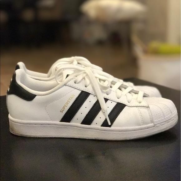 le adidas superstar bianco nero poshmark