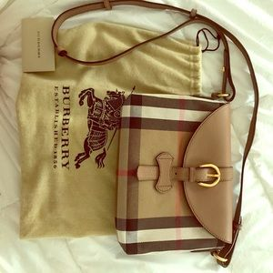 Burberry Handbags - Like New Authentic Burberry Crossbody