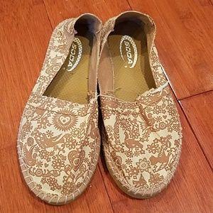 Soda Shoes - SODA Tan & Ivory Slip Ons