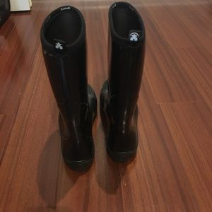 Kamik Shoes - Black shiny mid calf rain boots