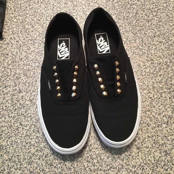 0219183fe7 Vans Authentic Gore Black Gold studs. M 593dce86c6c7951ffb02d9ad