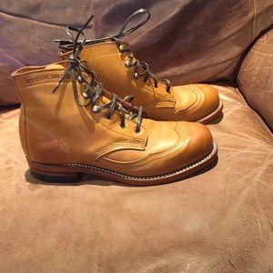 Wolverine 1000 mile Addison wingtip boots