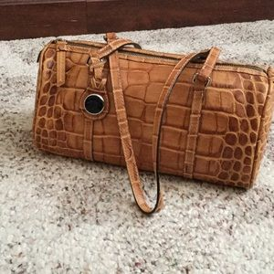 Dooney & Bourke Handbags - Dooney barrel bag