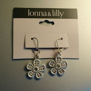 lonna & lilly Jewelry - Lonna&Lilly Flower Earrings Never Worn
