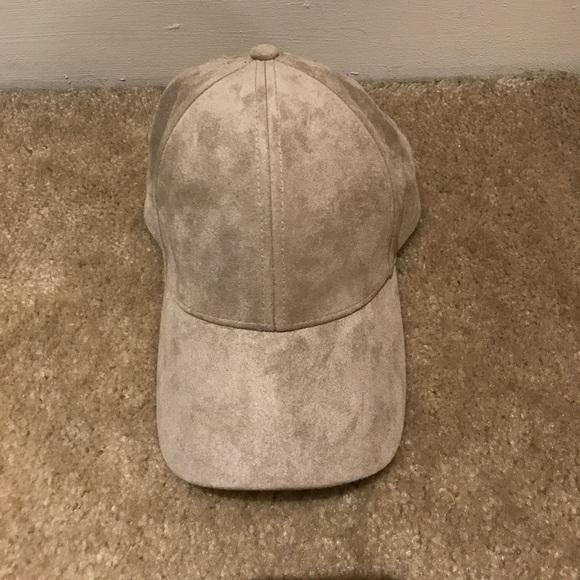 cb8e4d9a512 Aritzia Wilfred Free Emesa suede hat