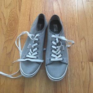 NWOT Vans Sneakers Sz 9