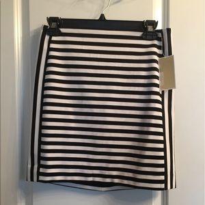 MICHAEL Michael Kors Dresses & Skirts - NWT Michael Kors skirt. Size 6.