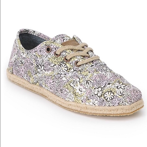 05e38719ed5 NEW Toms Cordones Bloom Print Womens Shoes size 6