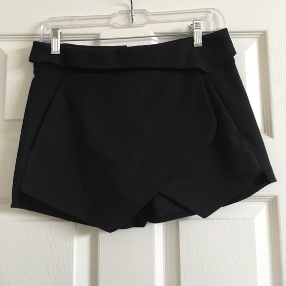 69% off Zara Pants - Zara Black Origami Shorts Skort Skirt ... - photo#30