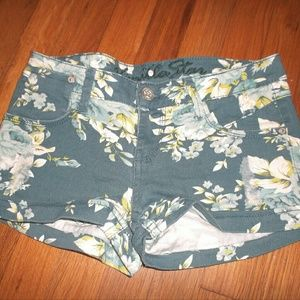 Vanilla Star Pants - Distressed Floral Jeans Shorts Juniors Size 5