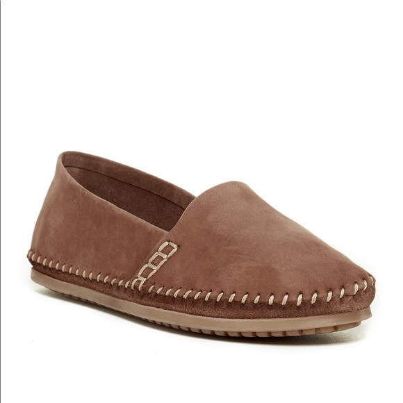 New Adam Tucker Sangria Leather Flats