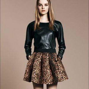 Zara Dresses & Skirts - Zara leopard print skirt elastic waist & pockets