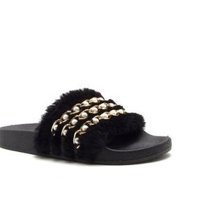 Qupid Shoes - SALE‼️5⭐️Embellished Fur Slides-SO SOFT