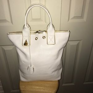 Alexander McQueen Handbags - Alexander McQueen White Leather Tote w/ lock&keys