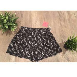 Pants - High waisted shorts black white small NWT
