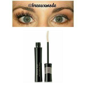 Mary Kay Other - I Love Black - Lash Love Lengthening Mascara
