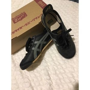 Onitsuka Tiger by Asics Shoes - BLACK &GREY 🐯 Tiger Onisuka Sneakers