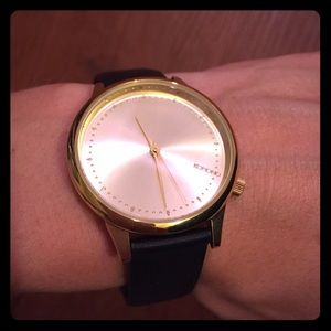 Komono Accessories - Gold watch with Black Band