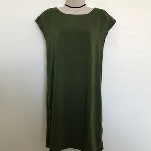 Dresses & Skirts - ❗️SALE❗️Beautiful Olive Green Tshirt dress