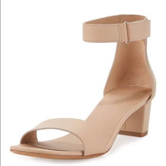 72a582dbd77 Vince Rita City Sandal - Nude-Excellent Condition!  M 593e6a85620ff7f9d304e67a