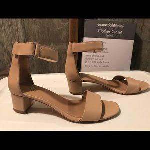 673907e8d7d Vince Shoes - Vince Rita City Sandal - Nude-Excellent Condition!