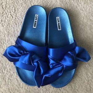 Cape Robbin Bow Slide Sandals