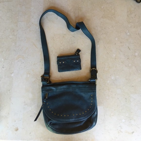 how to clean fossil messenger bag