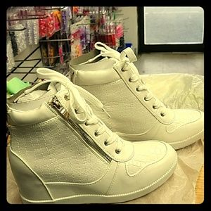 Jo-Jo Shoes - New all white gold zippers sneaker wedges