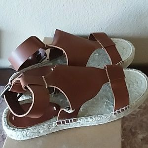 395f27585b4 Soludos Shoes - NEW💥 Banded Shield Open Toe Soludos Sandal
