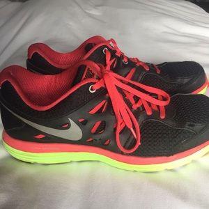Nike Shoes - Nike Dual FusionLite Tennis shoes