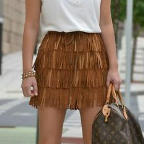 93df218615 Zara Brown Suede Fringe Skirt. M_593eb5224127d07a6d057ab9