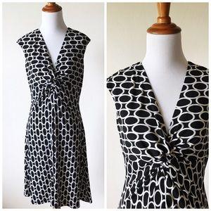 White House Black Market Dresses & Skirts - White House Black Market B&W Circle Dress