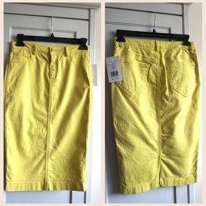 Robert Rodriguez Dresses & Skirts - NWT! Robert Rodriguez Yellow Pencil Skirt
