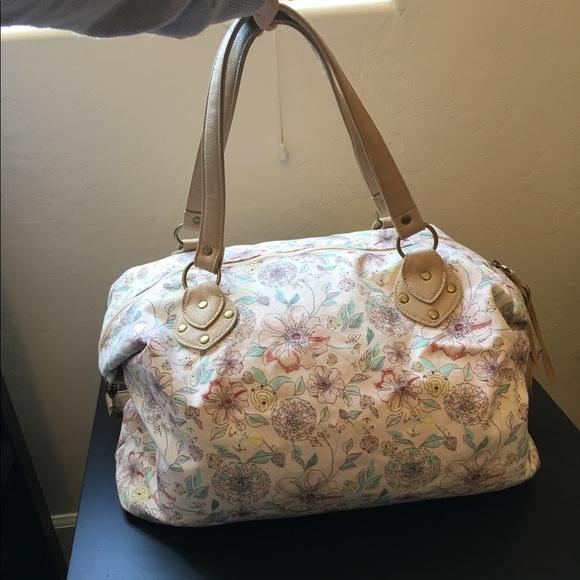 490cd5beb8fb Mossimo floral pink weekend bag. M 593ed2f02ba50a775700c9f8