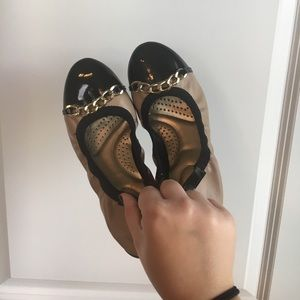 Shoes - Black and Nude Ballet Flats with Chain